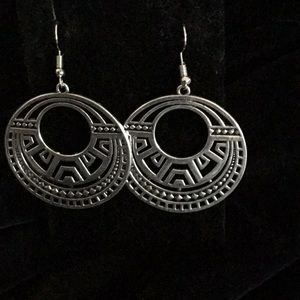 TRIBAL CUT OUT ROUND SILVER TONE EARRINGS